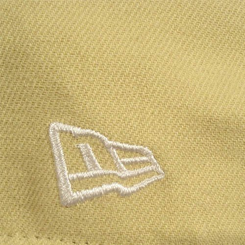 BURTON by NEW ERA beige cap